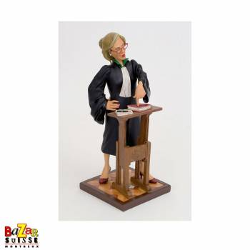 The lady lawyer - Forchino figurine