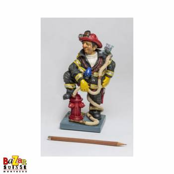 The firefighter - Forchino figurine